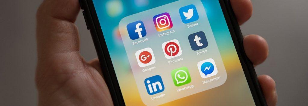 إدارة مواقع التواصل الإجتماعي لمكتب المحاماة
