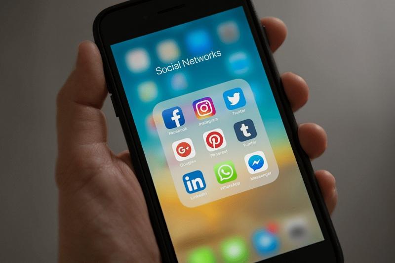 إدارة مواقع التواصل الإجتماعي لمكاتب المحاماة